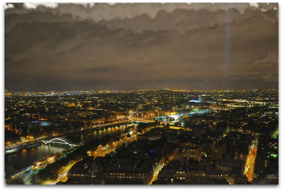 Paris at night-webframe.jpg